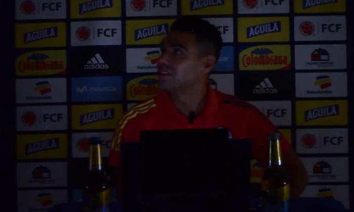 Radamel Falcao se volteó a preguntarle al jefe de comunicaciones de la selección qué había ocurrido.
