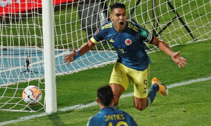 Radamel Falcao García celebrando el gol de Colombia.