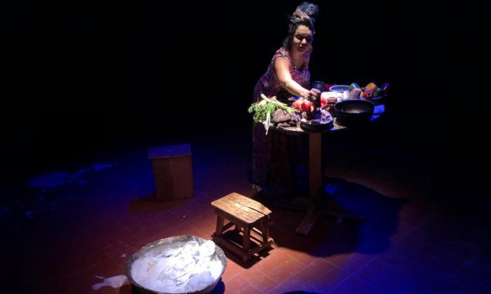 En Cofradía Teatral se presentan adaptaciones libres de obras literarias.