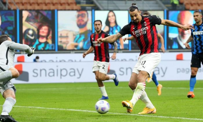 Zlatan Ibrahimovic le dio el triunfo al AC Milan con doblete frente al Inter.