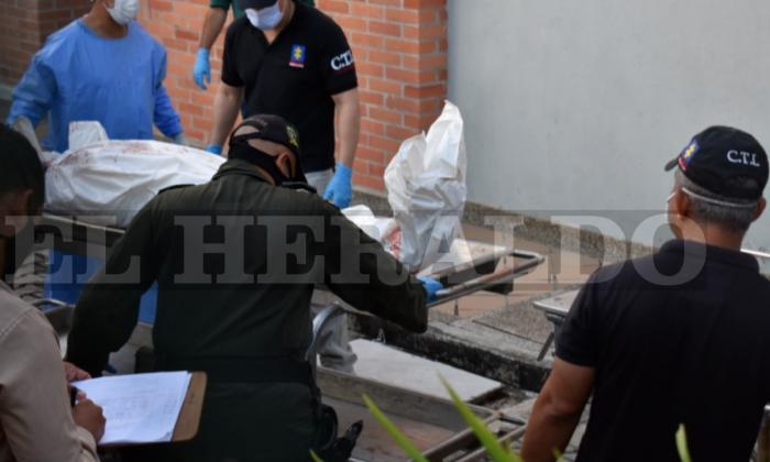 Llegada de los cuerpos a la morgue de Medicina Legal en Sincelejo.
