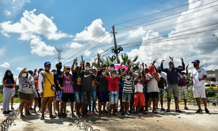 Familiares del joven arrastrado por arroyo protestan en la Circunvalar