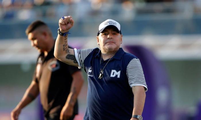 Maradona se recupera satisfactoriamente.