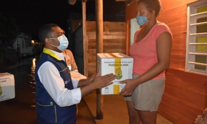 Comienza entrega de ayuda humanitaria para damnificados de Cartagena