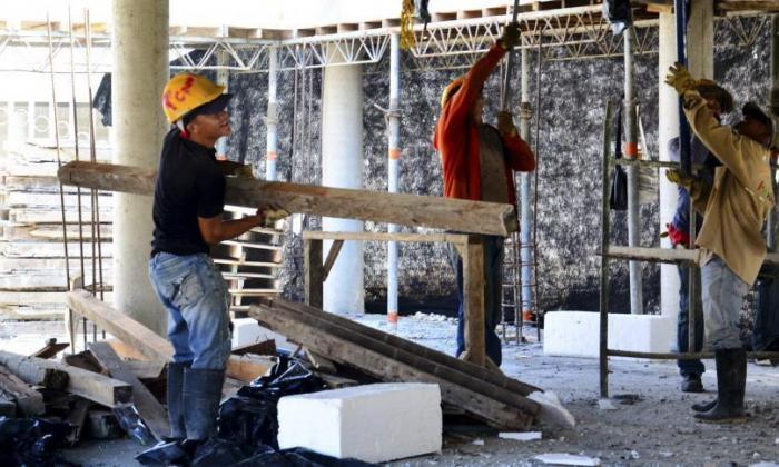 Economía cae 9%, pero da muestras de recuperación