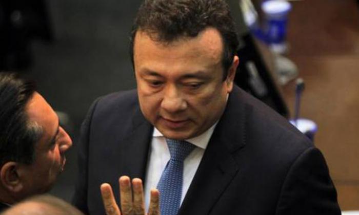 Capturan a senador Eduardo Pulgar por posible soborno