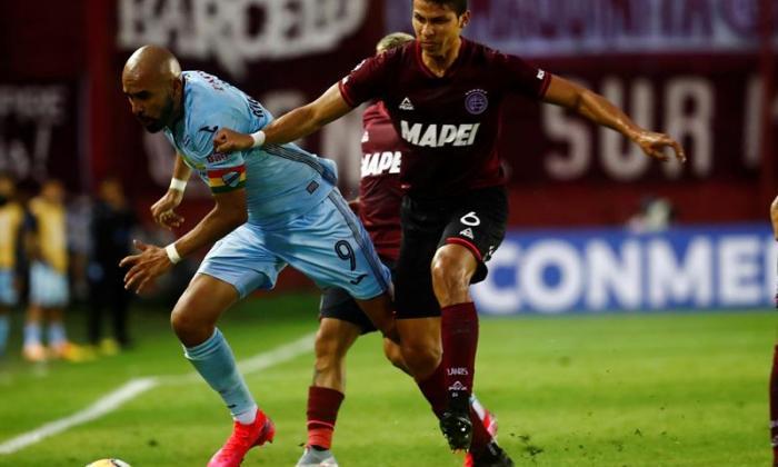 Alexis Pérez avanza a los cuartos de final de la Copa Sudamericana