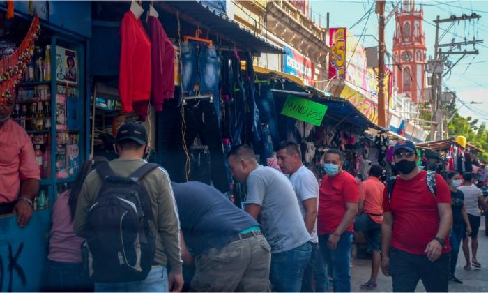 Primeros días de diciembre con alta afluencia de personas en comercios