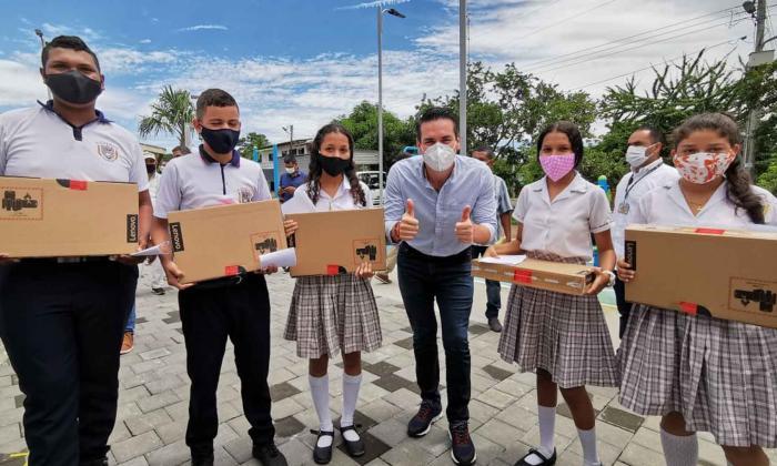 Más de 800 colegios oficiales tendrán internet gratuito en Córdoba