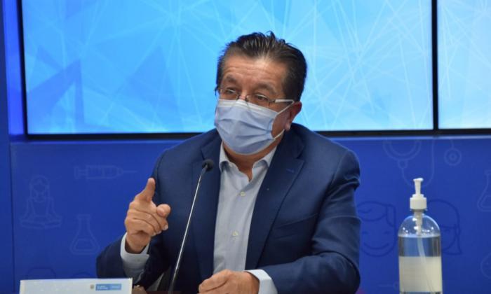 Minsalud refuerza UCI con cargamento de medicamentos para un mes