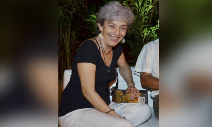 Lola Salcedo se consideraba una lectora implacable y una amante del mar. También fue comentarista radial y editora periodística.
