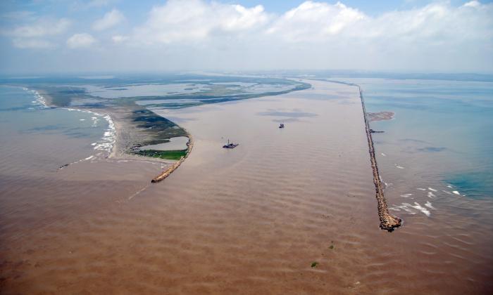 Abren convocatoria para draga de mayor capacidad en Puerto