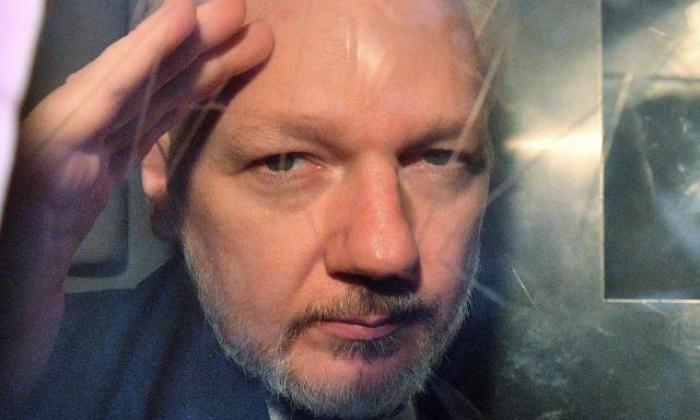 Justicia británica niega la libertad condicional a Assange por riesgo de fuga