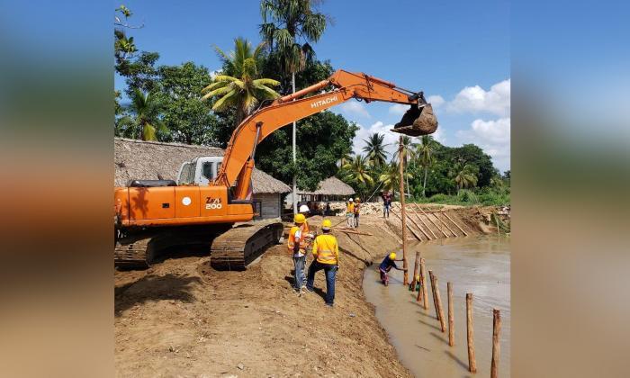 En Lorica inician trabajos de mitigación de la erosión en el río Sinú