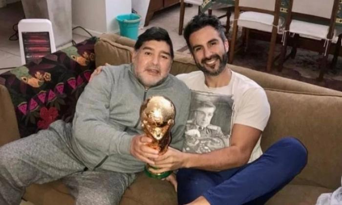 Médico de Maradona usó su firma falsificada, según un peritaje judicial