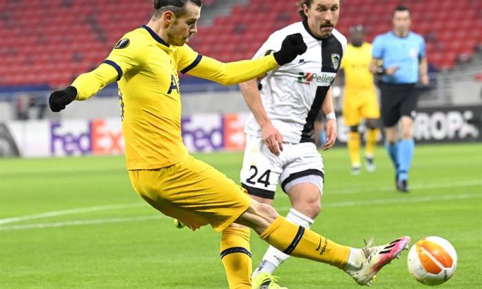Gareth Bale sitúa al Tottenham con un pie en octavos de Europa League