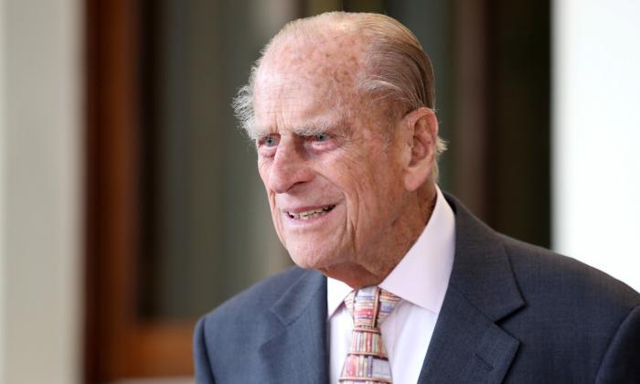 El duque de Edimburgo pasará el fin de semana ingresado en el hospital