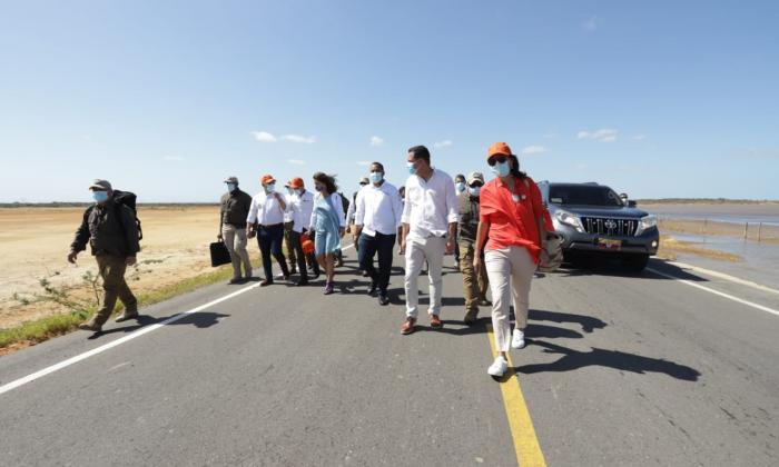 """""""Esta es la vía de la transformación y la oportunidad"""": Duque en La Guajira"""