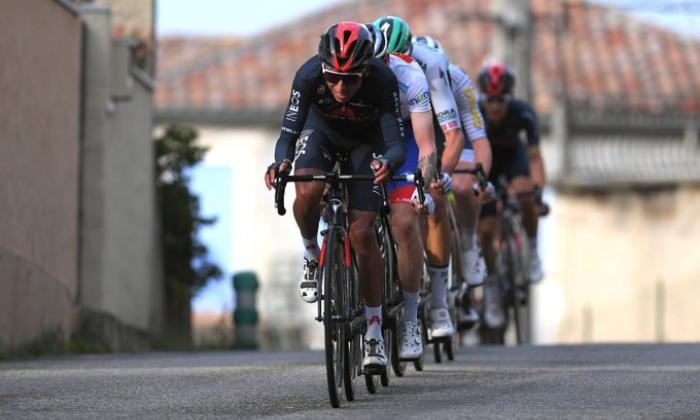 Egan Bernal se muestra fuerte y llega segundo en el Trofeo Laigueglia