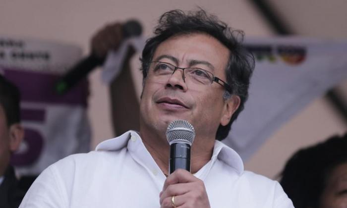 Siguen las reacciones ante anuncio de contagio por covid del senador Petro