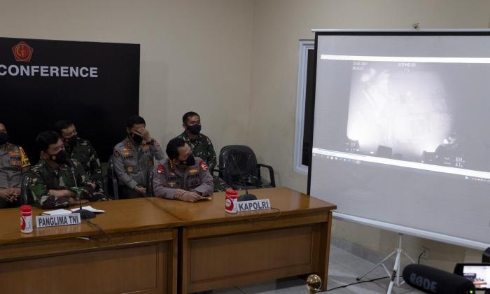 Indonesia localiza submarino desaparecido y da por muertos a tripulantes