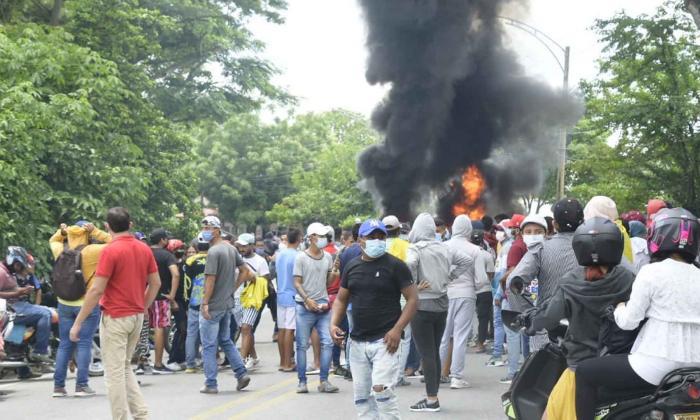 Queman y derriban las cámaras de fotomultas en Corozal, Sucre