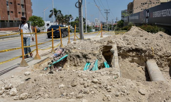 Denuncian hueco abandonado en Barranquilla