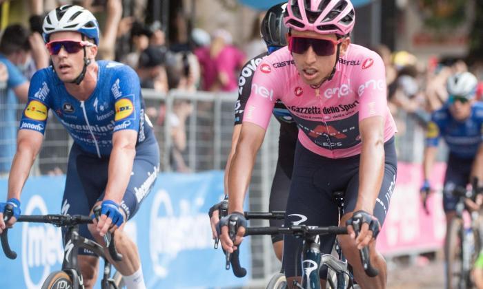Egan Bernal es líder del Giro de Italia tras 15 etapas