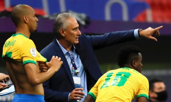 Tite dice que partidos con Colombia han sido muy difíciles y anuncia cambios