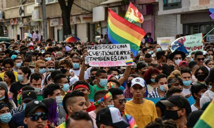 Personas de la comunidad LGBTI+ marcharon en Barranquilla