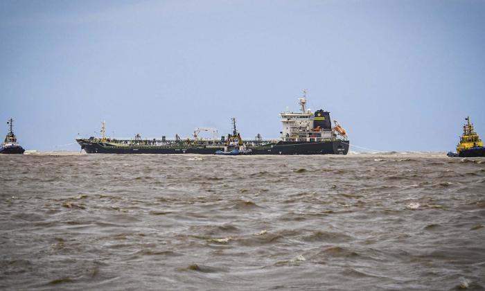 Expertos internacionales apoyan labores para reflote de buque