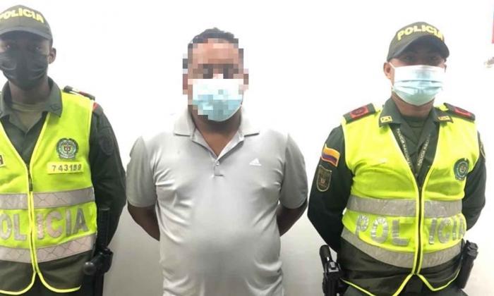 Viajero destruyó 4 pantallas de información en aeropuerto de Cartagena