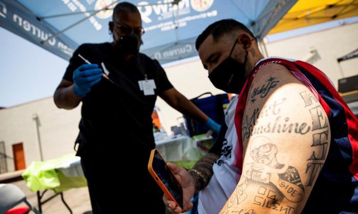 La pandemia de los no vacunados y otras claves de la covid-19 en América