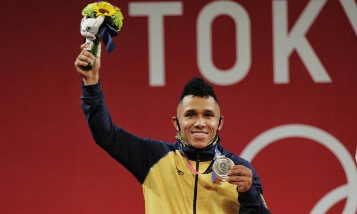 Luis Mosquera mostró su felicidad por haber ganado la medalla de plata en los Juegos Olímpicos de Tokio
