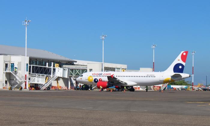 Pasajero causa pánico en aeropuerto de Santa Marta por supuesta bomba