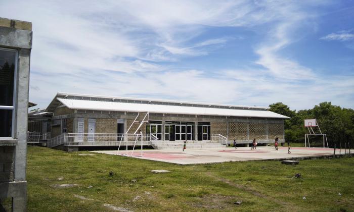 Entregan dos megacolegios en el sur de Bolívar