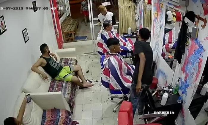 En video | Ni las máquinas de corte de cabello se salvan de atraco en barbería en La Chinita