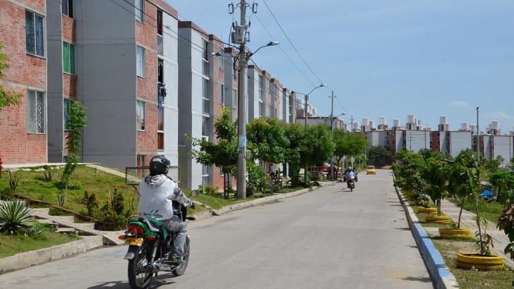 En Altos de la Sabana hay 2.183 apartamentos distribuidos en torres de cuatro niveles.