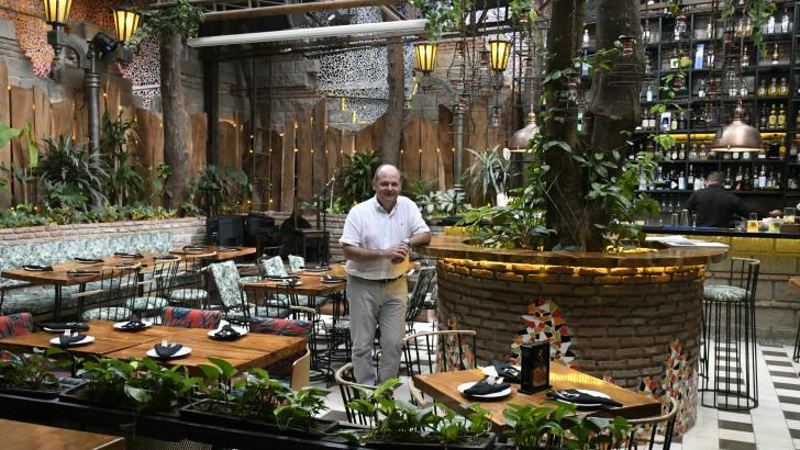 Carlos Guerra, socio y fundador del restaurante Sabina, donde generan  27 empleos.
