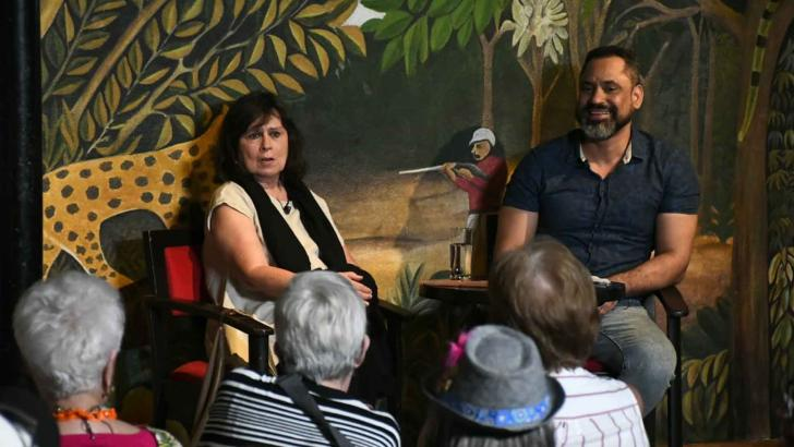 Laura Restrepo conversó con Carlos Polo en el segundo día del evento cultural.