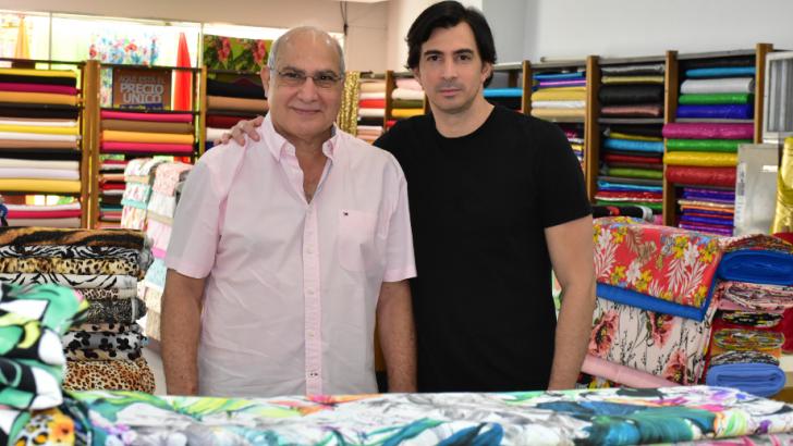 Sergio Chams comparte con su hijo, Sergio Andrés Chams, la dirección actual de la cadena de tiendas textiles de tradición.