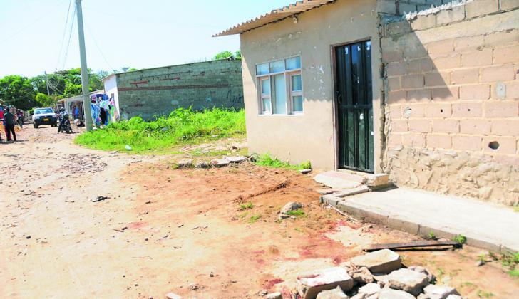 En este lugar murió Marieth Lissa, herida por los machetazos de su pareja.