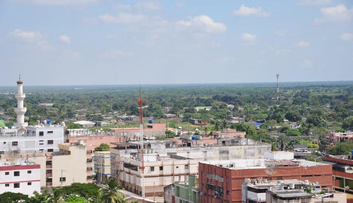 Panorámica de Maicao,  ciudad fronteriza en el departamento de La Guajira.