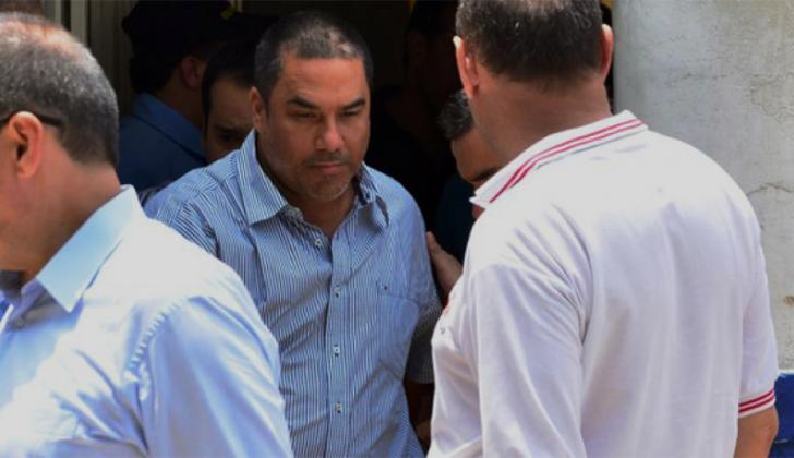 Ricardo Molina sale de una audiencia.