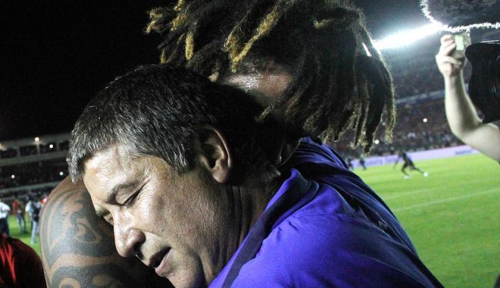 'Bolillo' y Román Torres.