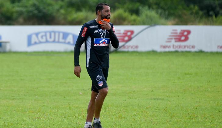 Matías Mier ha venido entrenando bajo las órdenes del técnico Alexis Mendoza.