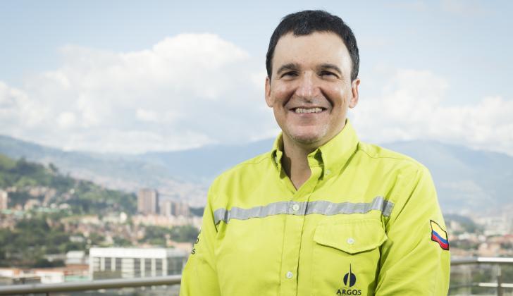 El presidente de Cementos Argos, Juan E. Calle.