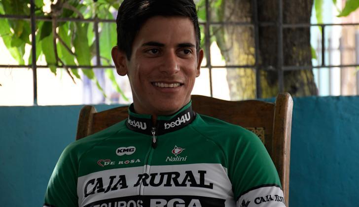 El ciclista Nelson Soto en la comodidad de su hogar.