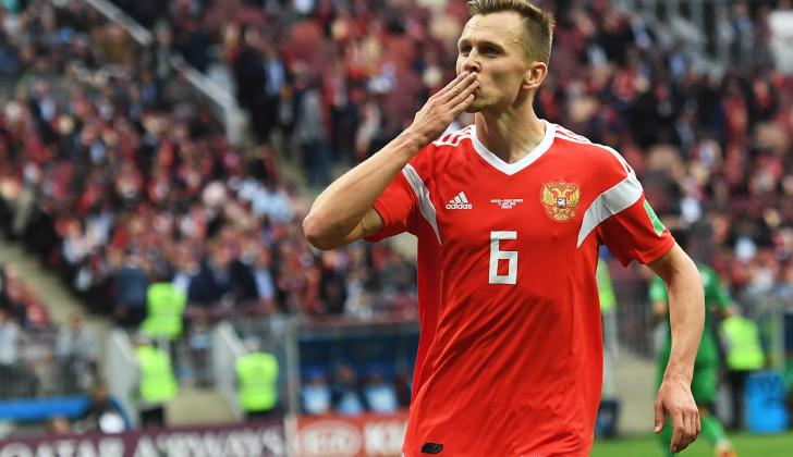 Denis Cheryshev celebrando su segundo gol.