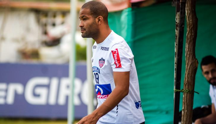 Alberto Rodríguez durante un entrenamiento con Junior.